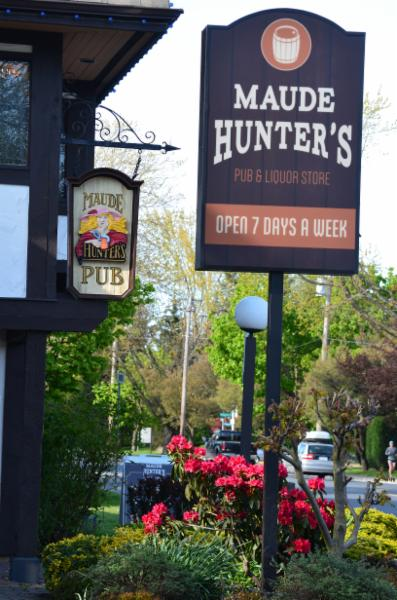Maude Hunter's Pub - Photo 2