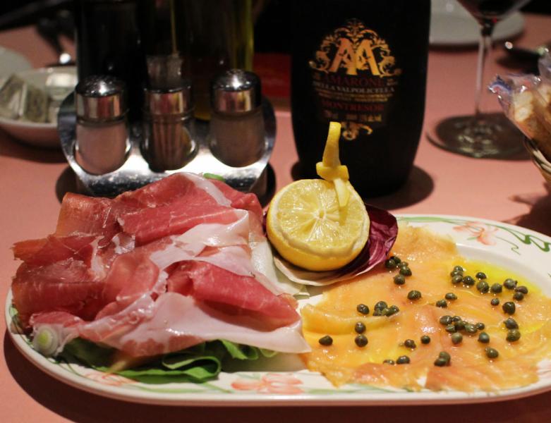 Au Parmesan Restaurant - Photo 1