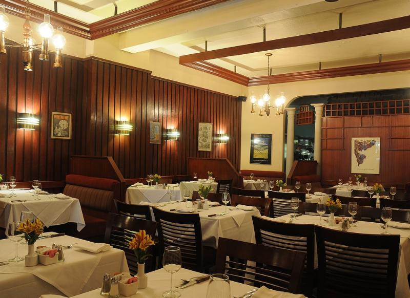 Bardi's Steak House - Photo 4