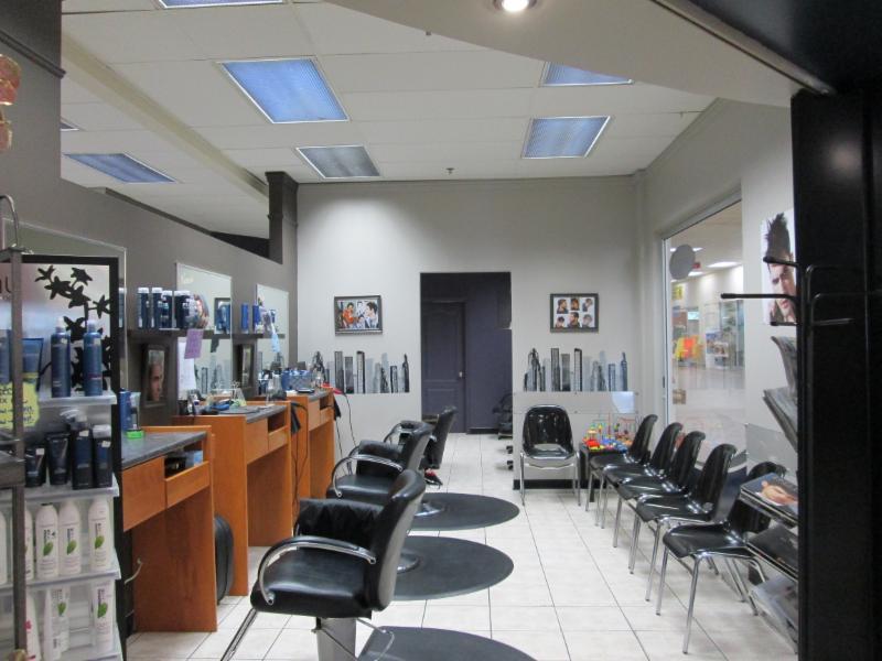 Côté homme     3 chaises + 1 chaise de barbier - Salon Roland