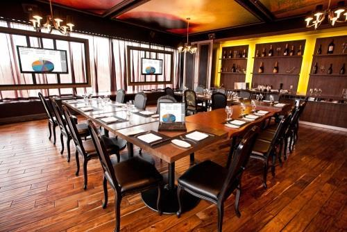 La Bête Bar Steakhouse - Photo 12