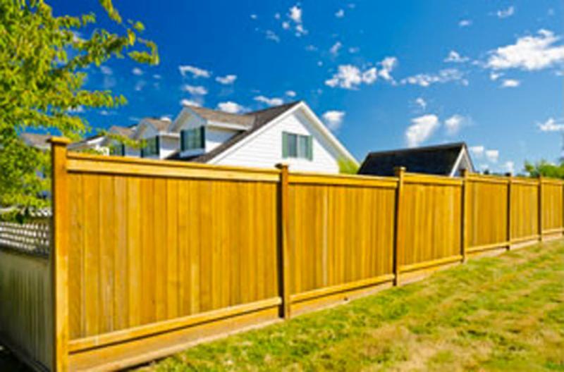 Дизайн деревянных заборов в частном секторе