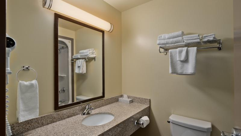 Quality Inn - Photo 170