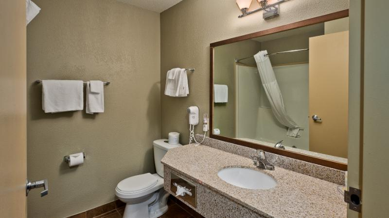 Quality Inn - Photo 154