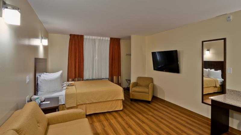 Quality Inn - Photo 108