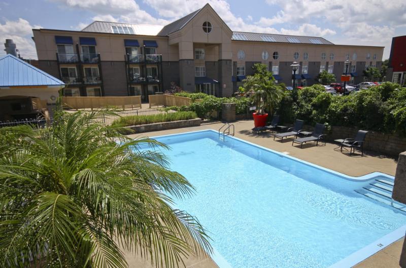 Les Hôtels Jaro - Hôtel Lindbergh - notre piscine extérieure