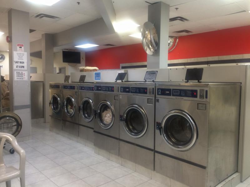 Laundry in ON Mississauga L5A4E4 Best Laundry 23C-3085 Hurontario St (416)605-7474