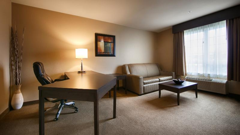 Best Western Plus - Photo 7