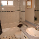 Bearspaw Inn - Hotels - 250-845-4635