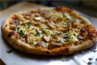 Pazzo Taverna & Pizzeria - Photo 3
