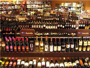 Highlander Wine & Spirits - Photo 1