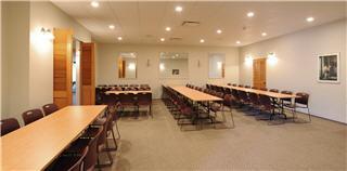 Notre salle de réception du 2258 ave Larue, Québec - Résidences Funéraires F.X. Bouchard Inc