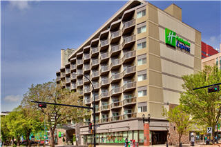 Holiday Inn Express - Photo 2