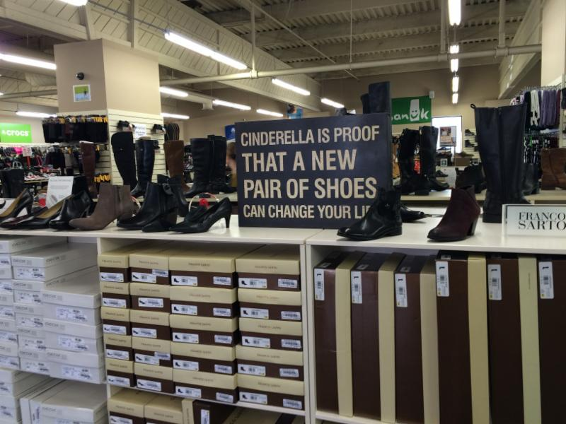 Burlington Shoes outlet store is in Fashion Outlets Niagara Falls located on Military Road,Niagara Falls, NY Information about location, .