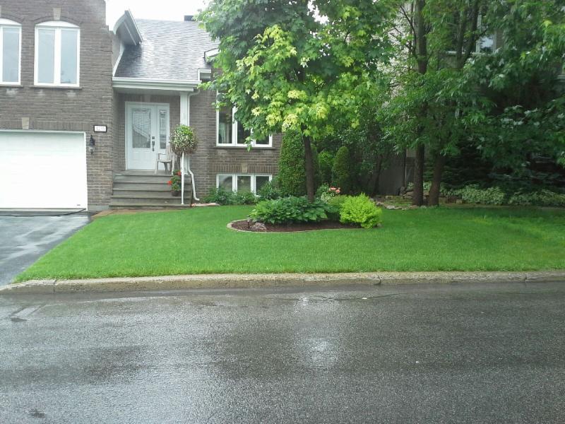 Entretien pelouse laval horaire d 39 ouverture 409 rue for Service entretien pelouse