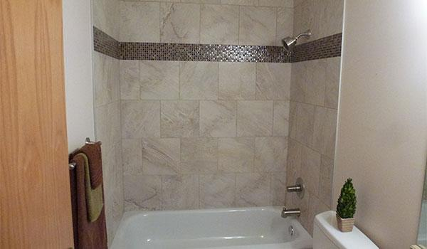 Canadian home renovations ltd canpages for Bathroom decor edmonton