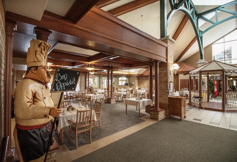 The Village Of Riverside Glen Opening Hours 60