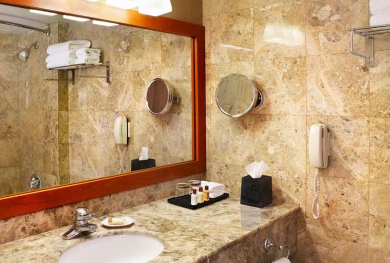 h tel sheraton laval horaire d 39 ouverture 2440 autoroute des laurentides laval qc. Black Bedroom Furniture Sets. Home Design Ideas