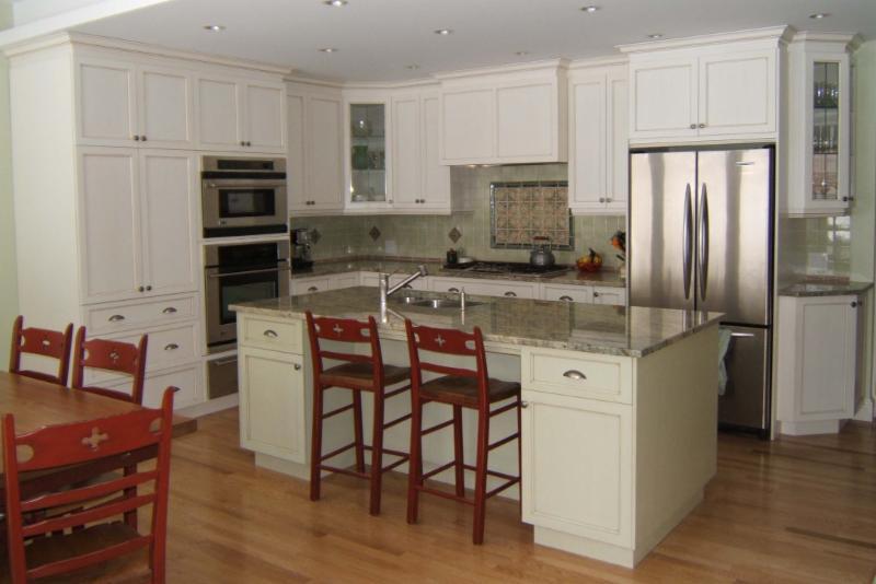 Armoires de cuisine et plus inc horaire d 39 ouverture 140 rue de sherbrooke cowansville qc for Marchand de cuisine