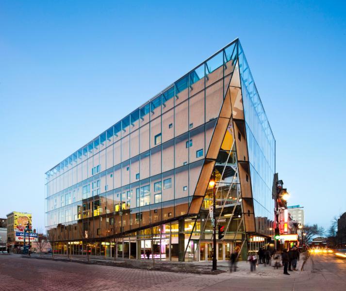 Architecture, encadrement écologique (développement durable)  -      2-22, rue Sainte-Catherine, Montréal