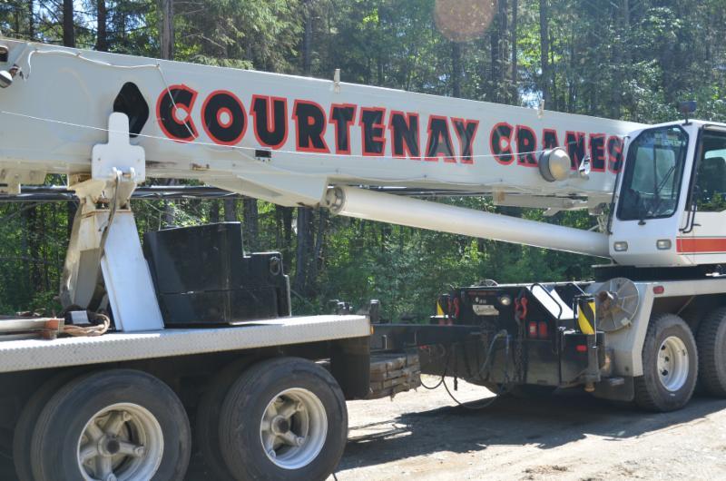 Telescopic Cranes Vancouver : Courtenay crane service comox bc philmonte rd