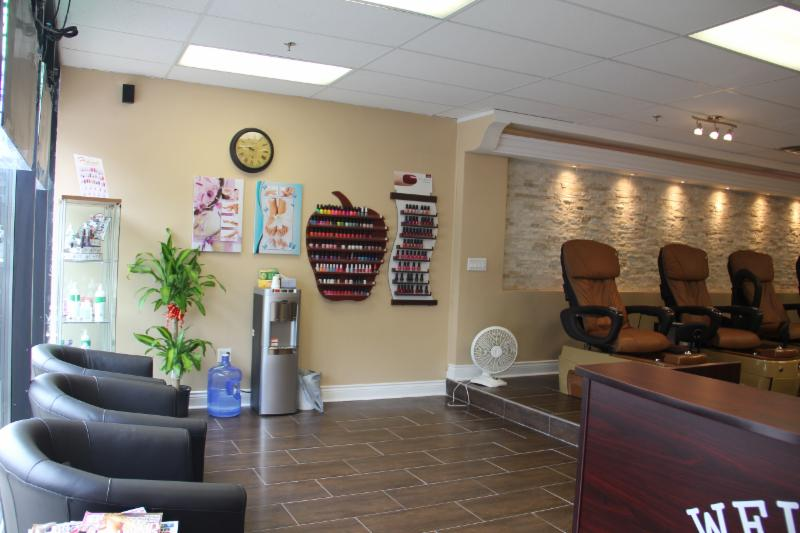 Lotus nail spa opening hours 900 don mills rd north for Nail salon hours