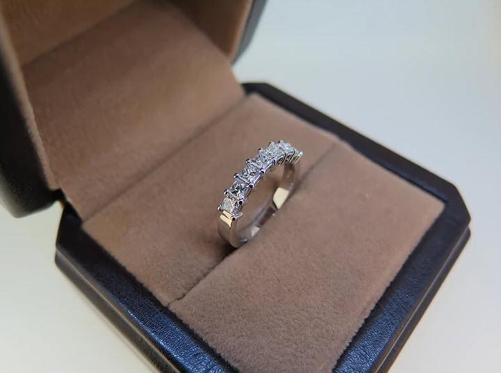 Classic claw set princess cut diamond ring