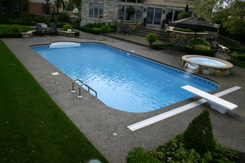 Sunrise Pools Ltd Windsor On 303 Edinborough St Canpages