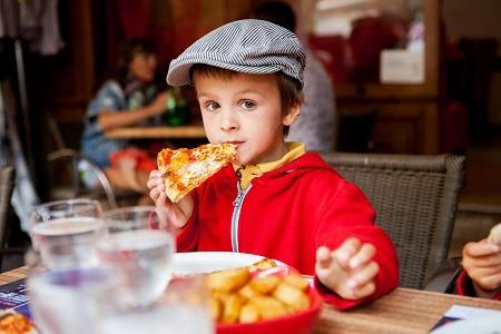 Excite the child with always fresh always hot slices!