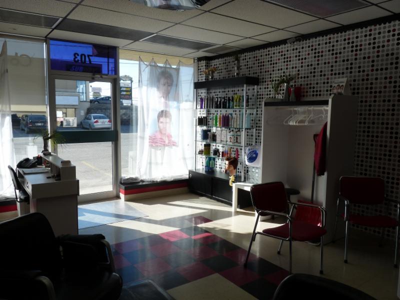 Salon coupe d 39 art horaire d 39 ouverture 1078 boul for Horaire bus salon aix