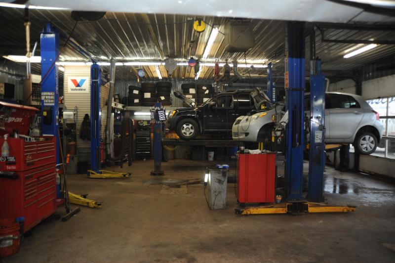 Garage m canique m trique chicoutimi qc 1671 boul for Garage mecanique auto