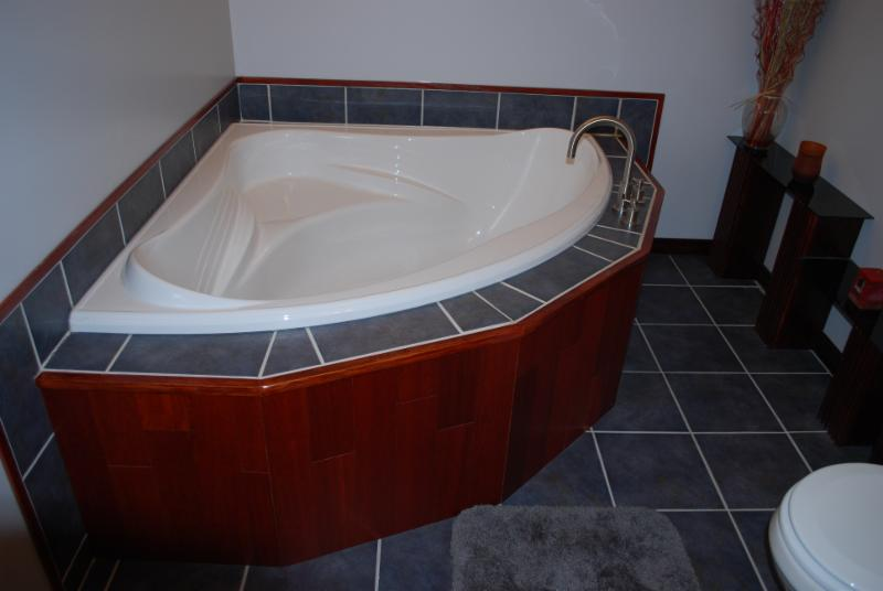 New Tub and Tile Work