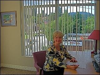 Dr.Joan Davidson BSc, Dip.Ed, DC
