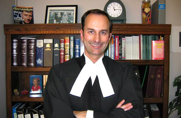 Mark McCourt is the founder and principal counsel of McCourt Law Offices, a personal injury law firm established in 1995. In 2003, McCourt also founded the Accident Victims/Insurance Policyholders Advocate.