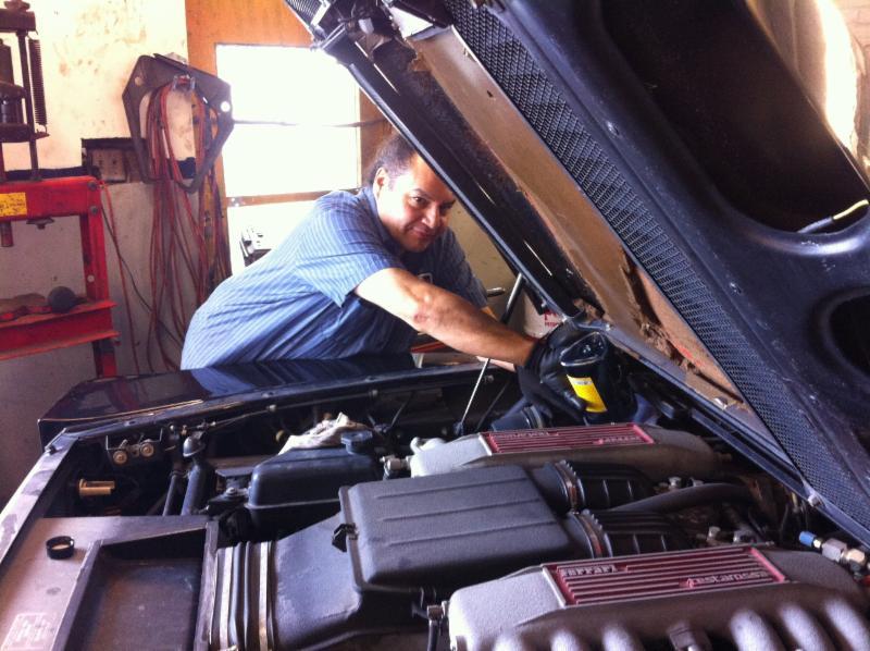 Garage m canique pi ces d 39 auto ferrari montr al qc for Piece auto garage