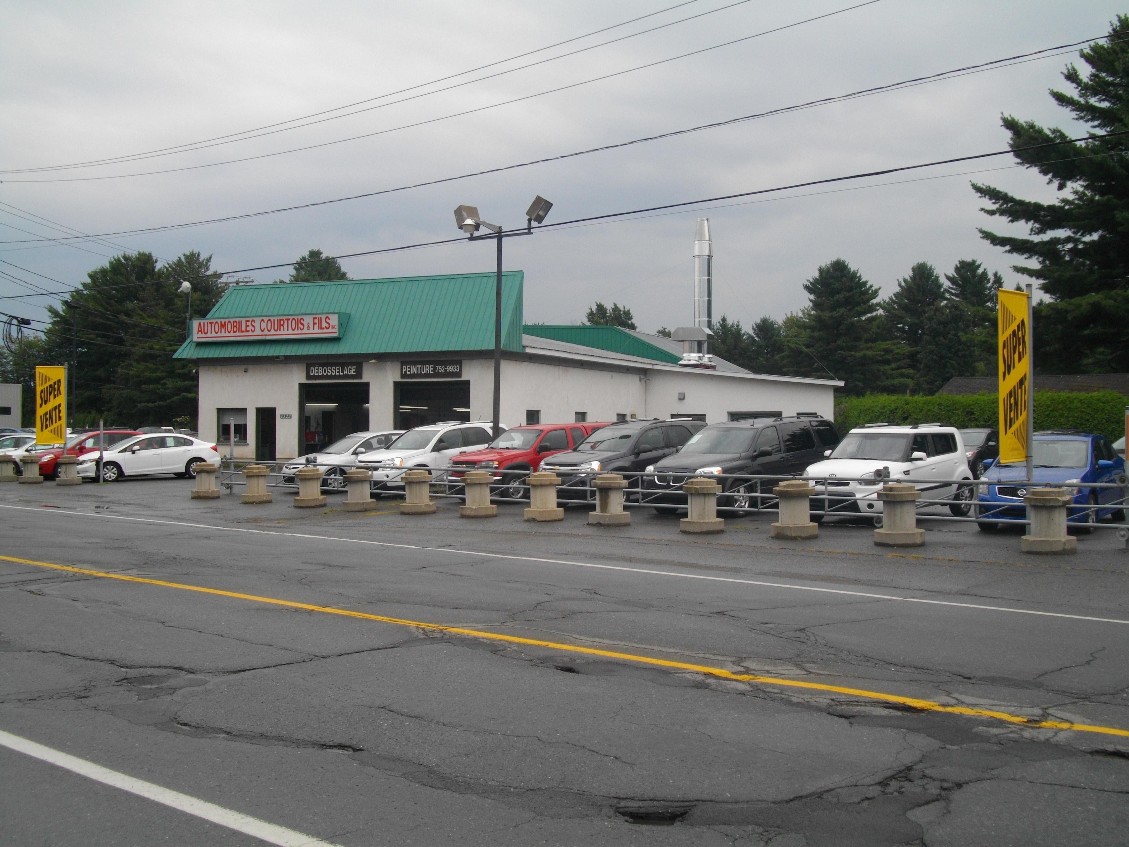 Garage Courtois & Fils Inc - Auto Body Repair & Painting Shops - 819-752-9933