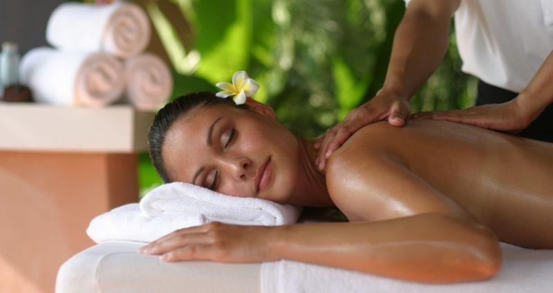 Spa Étoile-sur-le-lac offers you a whole range of treatments and massages, body care and aesthetics.