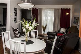 le saint laurent horaire d 39 ouverture 5300 boul saint. Black Bedroom Furniture Sets. Home Design Ideas