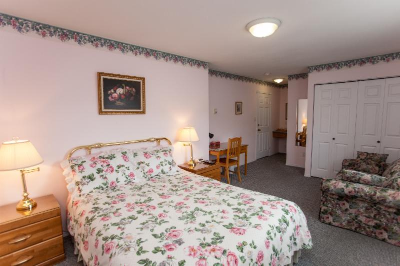 Affordable Bed And Breakfast Around Sun City