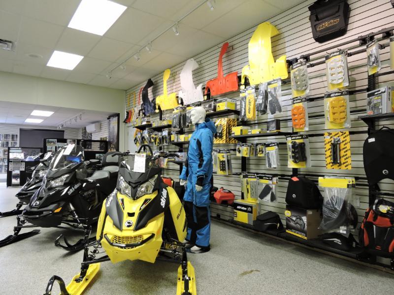 vente pièces et accessoires de motoneige