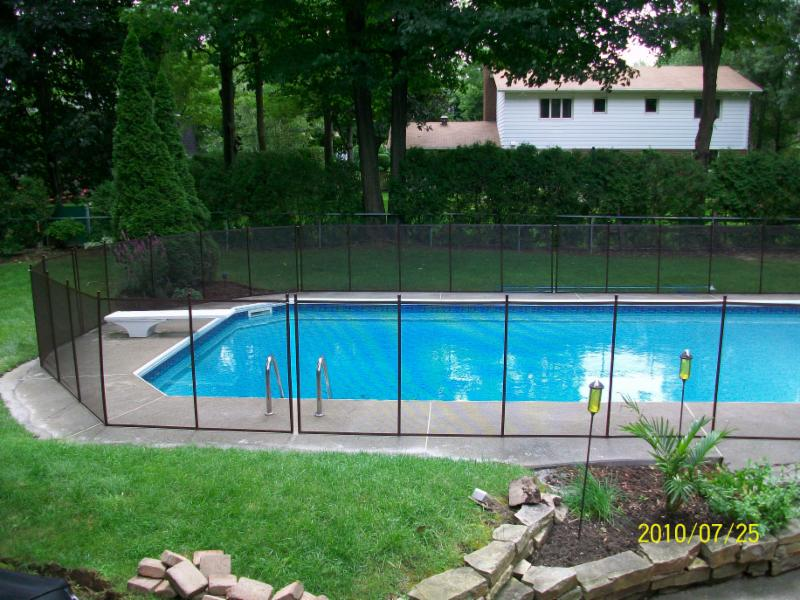 Cl tures amovibles pool guard horaire d 39 ouverture 690 for Cloture de piscine montreal