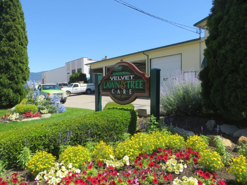 Green velvet lawns ltd vernon bc 5212 27 ave canpages for Landscaping rocks victoria bc
