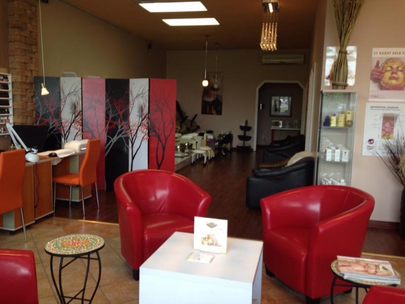 Royale salon de beaut horaire d 39 ouverture 4860 rue for Horaire bus salon aix