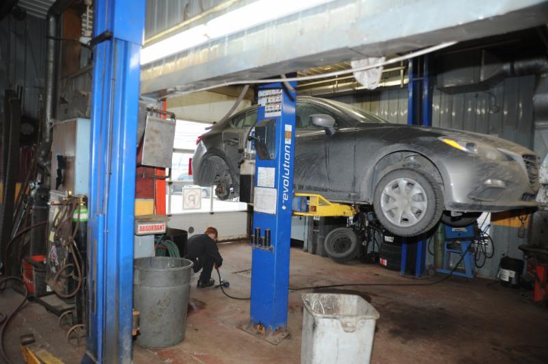 Garage m canique m trique horaire d 39 ouverture 1671 for Garage mecanique sartrouville