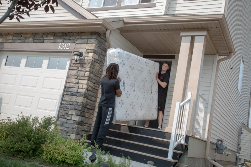 Matco's domestic moving service can relocate you and your family anywhere in the country.