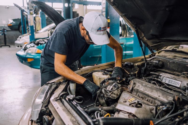 Mécanique automobile     Diplôme études professionnelles (DEP)     1800 heures