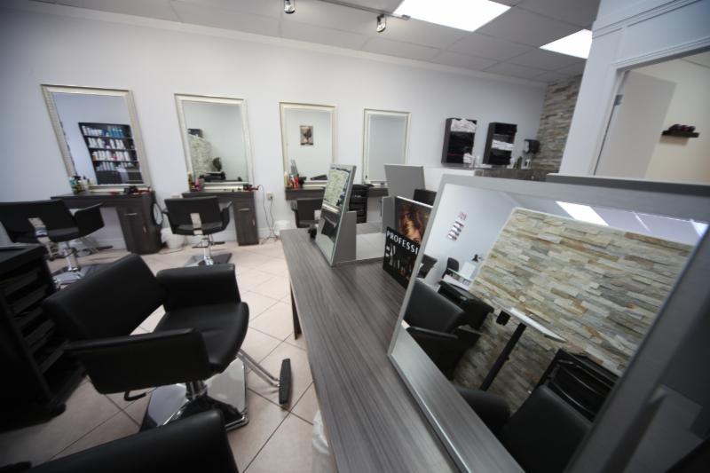 salon de beaut innova horaire d 39 ouverture 4780 boul samson laval qc. Black Bedroom Furniture Sets. Home Design Ideas
