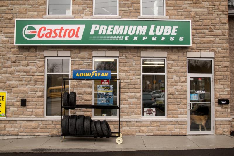 castrol express oil change car cleaning centre opening hours 1643 lansdowne st w. Black Bedroom Furniture Sets. Home Design Ideas
