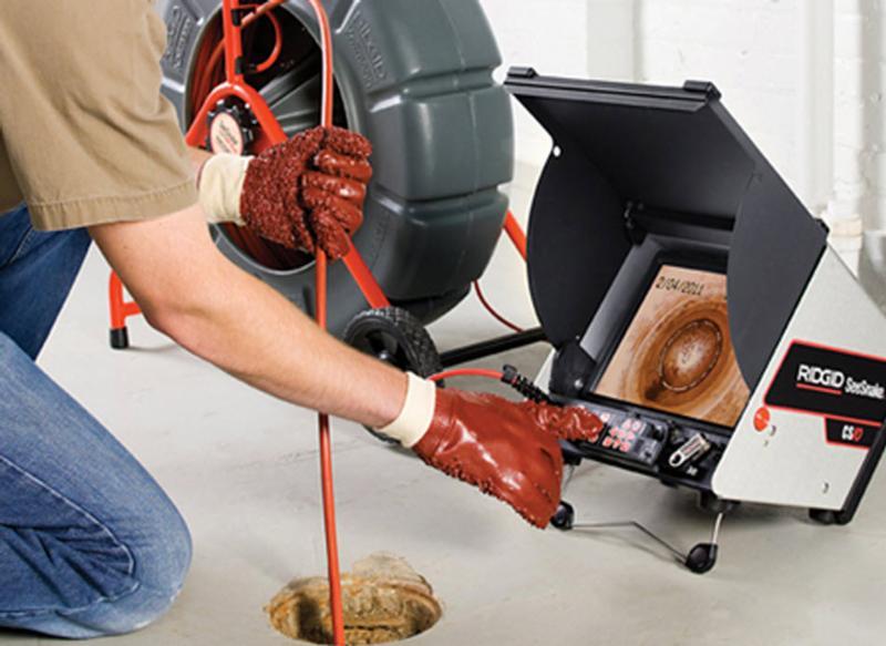 inspection par caméra, nous pouvons effectuer des analyses sur une distance allant jusqu¿à 200 pieds et dans un diamètre maximum de 12 pouces pour vérifier l¿état de vos drains et de vos fondations
