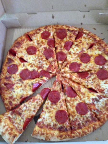 Gina 39 s best pizza inc ajax on 570 westney rd s canpages for Pizzeria gina st priest menu